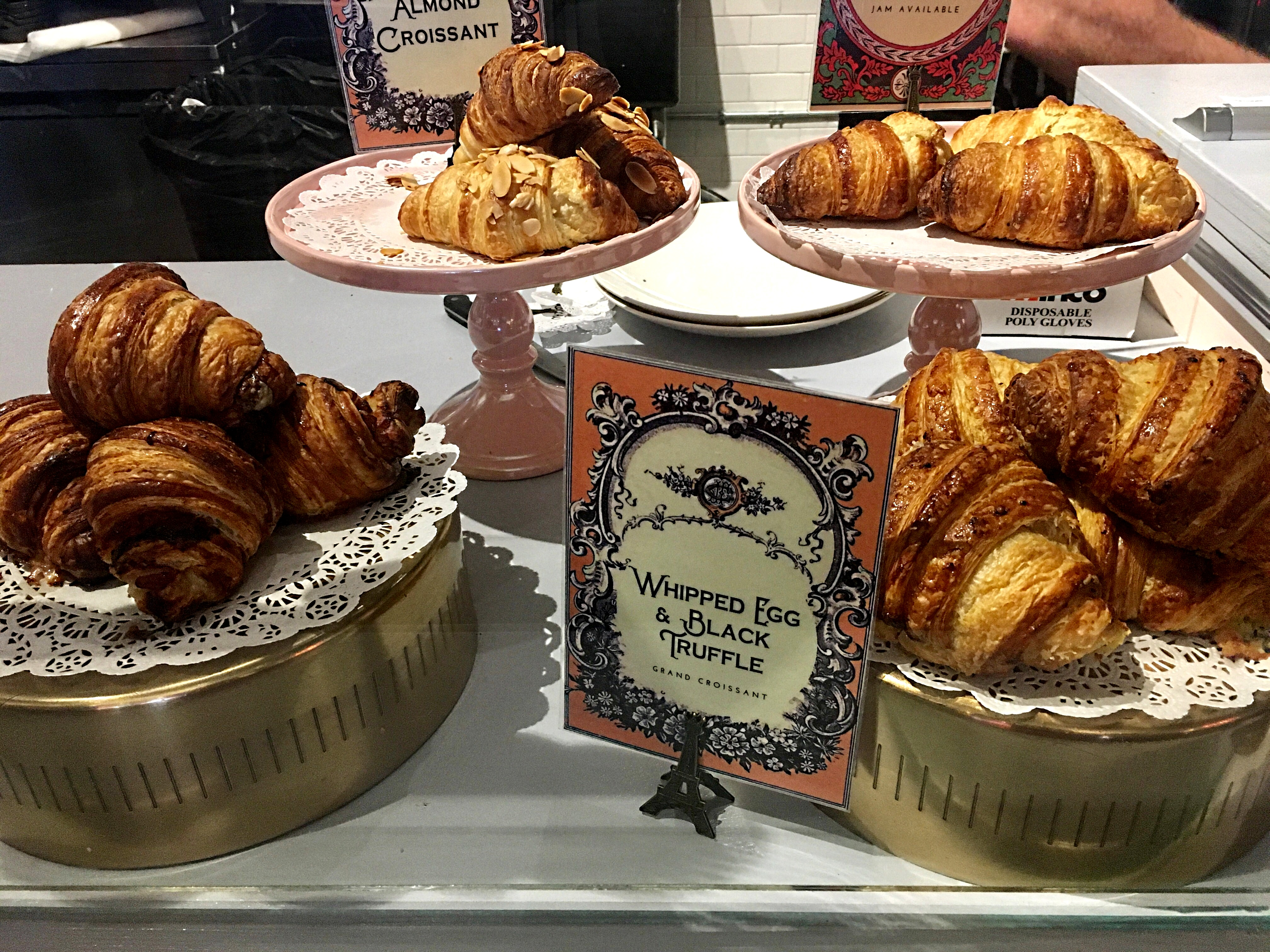 Petite Loulou Creperie Travel4foodnart